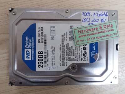 7069 Western 250GB hỏng đầu từ