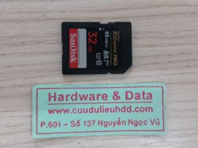 30-7 The Sandisk 32GB