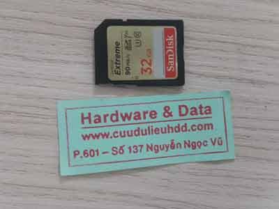 26-11 Thẻ nhớ SD 32GB