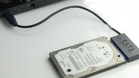 kết nối ổ cứng với máy tính để khôi phục dữ liệu